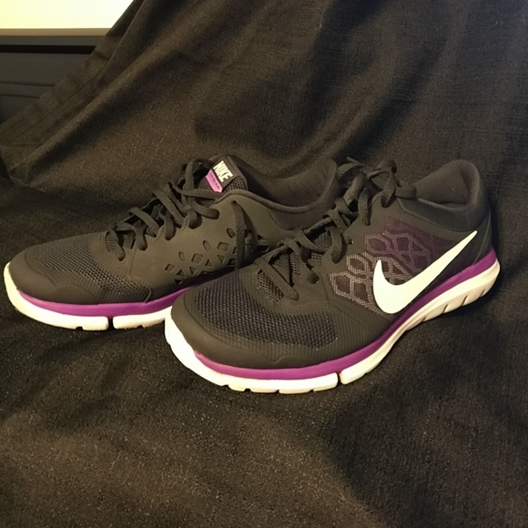 a46907a81c87e Nikes Running Shoes. M 5bd4cd4f34a4ef5b89d24818. Other Shoes you may like. Nike  training sneakers size ...